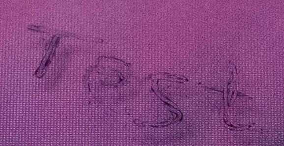 Kugelschreiber, der auf Plastik schreibt